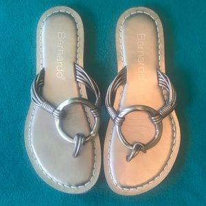 Bernardo Silver Thong Sandals Sz 7
